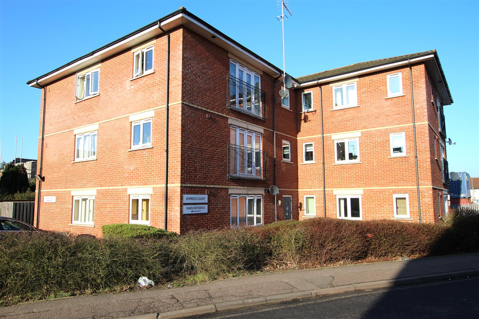 1 Bedroom Flat for sale in 1A Empress Road, Luton